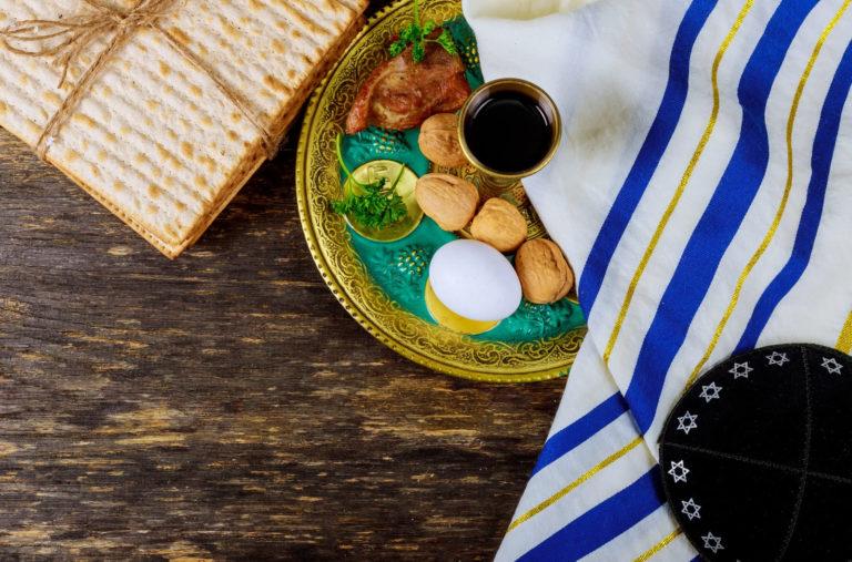 Как евреи поздравляют друг друга с Песахом